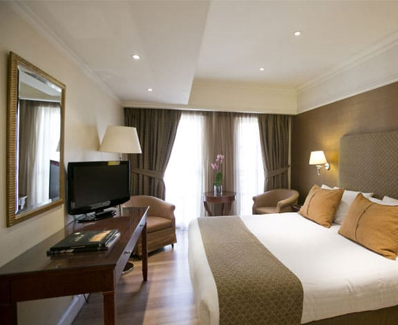 Luxury Rooms & Suites in Athens - Hera Hotel